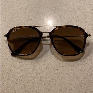 Ray-ban sunglasses gold and tortoise. Great shape